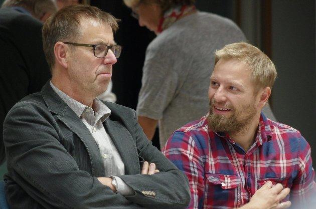 SMÅ PARTIER: Jan-Thore Østenby Martinsen (til venstre) utgjør halve SV-gruppa i kommunestyret, mens Sindre Sørhus er den én mann store gruppa til MDG, slik han også var i forrige periode.
