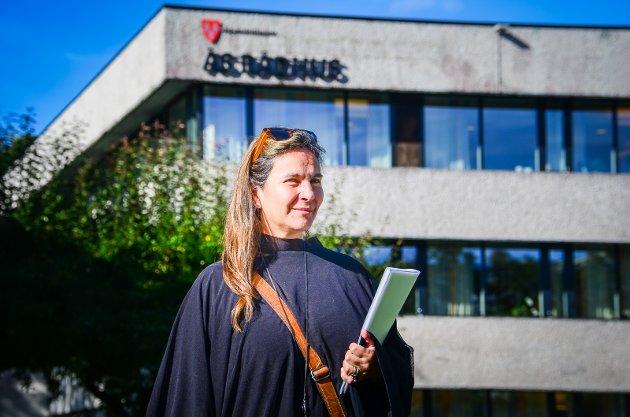 MISFORNØYD: Ås Avis skrev i oktober om Magaly Jara Schwaiger som etterspør heltidsstilling innen  helse og omsorg i Ås kommune.