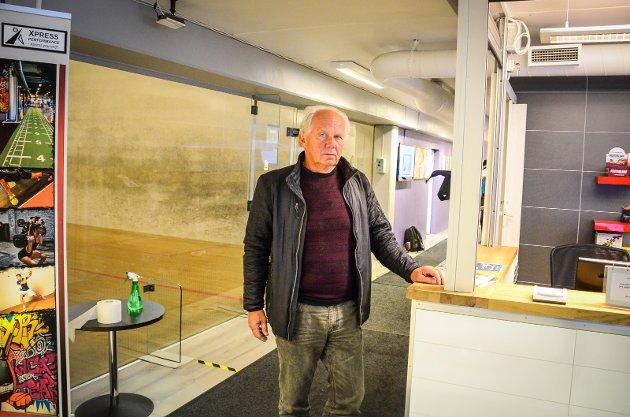 USIKKER PÅ FREMTIDEN: Sentrumsplanen båndlegger arealer i Langbakken til boligbygging. Det gjør det umulig for Ås fysioterapi og treningssenter å utvide for å holde seg konkurransedyktige i fremtiden, mener Jan Wold.