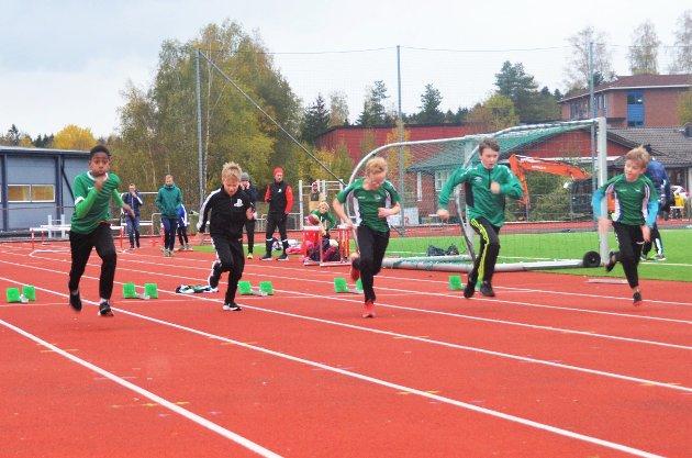 Her ser vi Ås-gutta André-Timéo Kamanou, Thomas Christoffer Tomic Vebø, Elias Østerås, Tobias Adam Haraldstad-Christiansen og Eirik Reisæter Overvoll (Gutter 11).