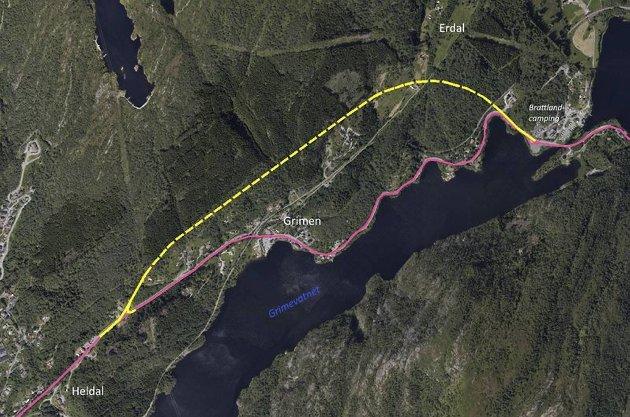 Den gule linjen viser tunnelløsningen fylkeskommunen mener det bør jobbes videre med.  ILLUSTRASJON: STATENS VEGVESEN/VESTLAND FYLKESKOMMUNE