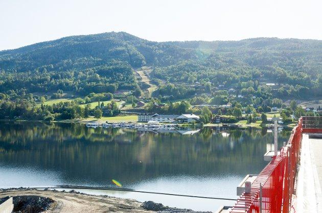 Utsikt mot fra takterassen mot Tyrifjorden i retning nordøst.