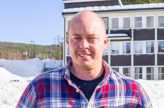 SPENT: Bjørn Kristian Bråten sitter som uavhengig i dagens kommunestyre og står på valgliste for Bygdelista. Han er spent på utfallet av torsdagens skoledebatt.