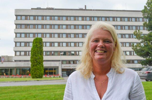 APPELL: Fylkesråd for utdanning i Hedmark, Aasa Gjestvang, oppfordrer elevene til å gripe muligheten og engasjere seg i skolen.
