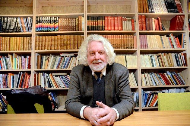 Øyer prestegard: Forfatteren Edvard Hoem omtaler Øyer prestegård som en av de vakreste i landet. Innsenderen skulle gjerne hatt omtale av aktiviteten i prestegarden.