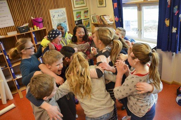 GLEDE: Ansiktsuttrykkene taler for seg i sjette klasse på Solvang skole.