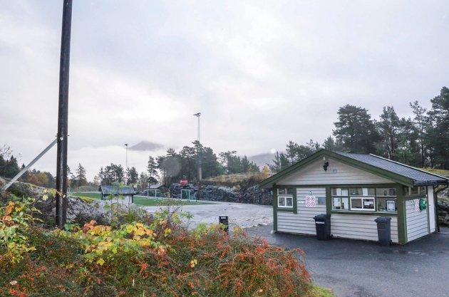 Ordførar i Ullensvang, Roald Aga Haug, uttala nyleg på Vestlandsrevyen at mange av skulane i kommunen er rasutsette.