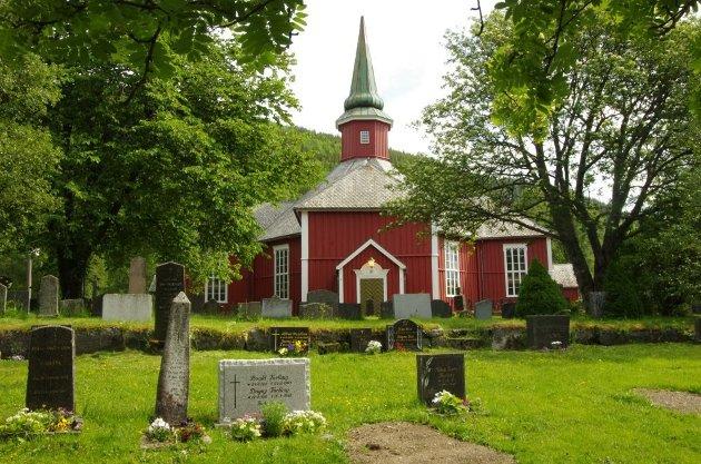 IKKE ET FRITT VALG: Nyfødte barn blir automatisk registrert i kirkeregisteret dersom én av foreldrene er medlem.