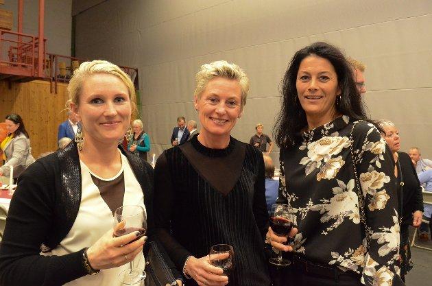 FESTFINE: Hanne Bakken Lund (t.v.), Mona Øversveen og Kristin Nordby