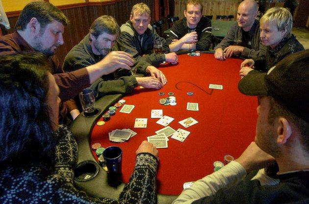 Frå venstre hjørne og rundt med klokka: Ann-Karin Hauge (Husnes), Per Bråtun (Rosendal), Håvard Gjerde (Rosendal), Per Einar Hauge (Husnes), Terje Aakre (Herøysundet), Kenneth Brufladt (Rosendal), Arve Rødland (Husnes) og Trond Reime (Herøysundet).