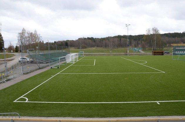 KFUM-Arena: Slik ser stadion ut akkurat nå, med de midlertidige bortetribunene bak det ene målet. FOTO: Nina Schyberg Olsen
