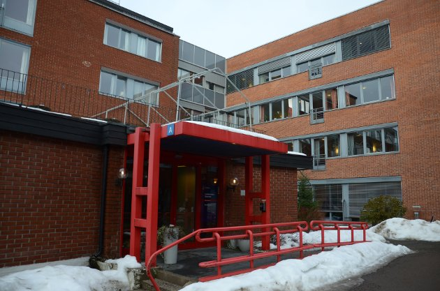 AVVIKLES: Lambertseter sykehjem nedlegges i perioden det tar å rive det gamle og bygge nytt. Beboerne som skulle flyttes samlet til et annet nytt sykehjem splittes nå opp og de ansatte mister jobbene sine.