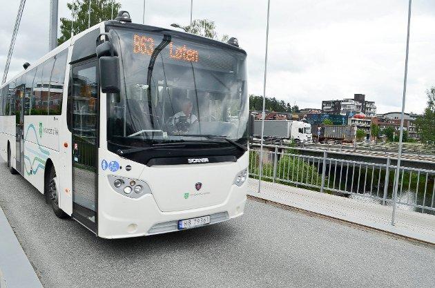 KUTT: Busstilbudet i Innlandet kan bli kraftig redusert dersom kuttforslag på flere millioner kroner gjennomføres.