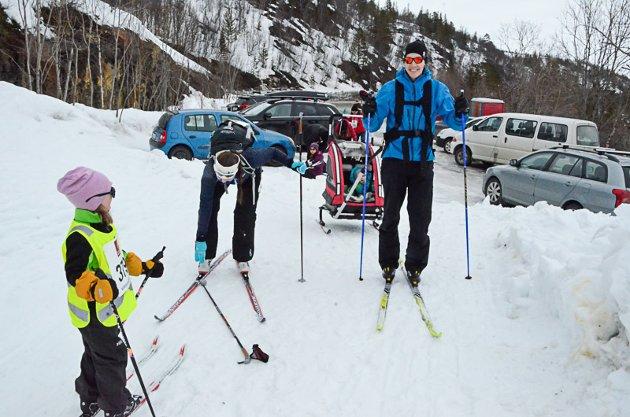 KLAR: Morten Johansen fra Båsmoen hadde med kone og tre barn på turen fra Utsikten.