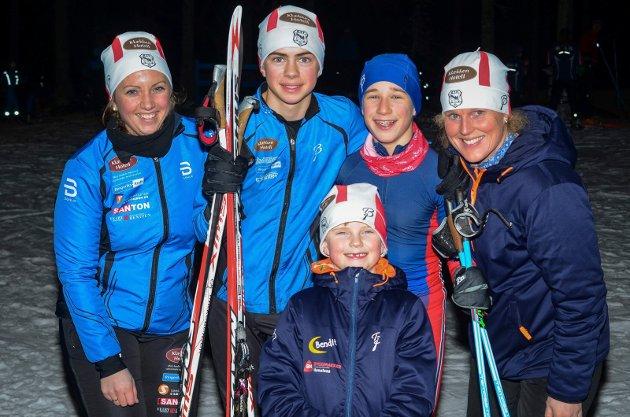 En fornøyd gjeng: Mari Sparby og Elisabeth Brager sammen med Jacob Krane, Vemund Brattsberg og Linus Østvang.