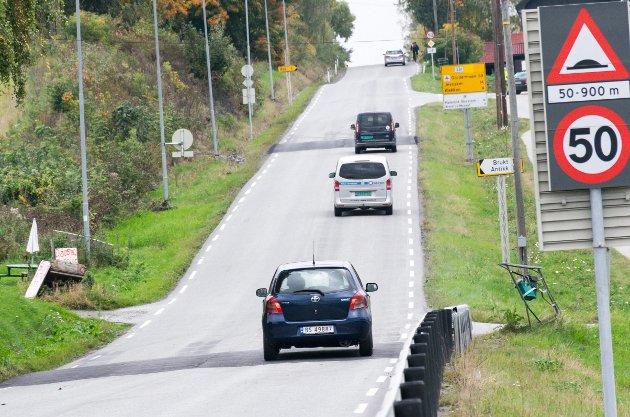 Nyhetsredaktør Øyvind Lien mener bilistene kan takke seg selv for de nye fartshumpene.