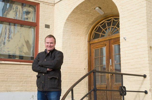 - MÅ SNU: Hans-Petter Aasen (Sp) mener Hønefoss skole skal opprettholdes.