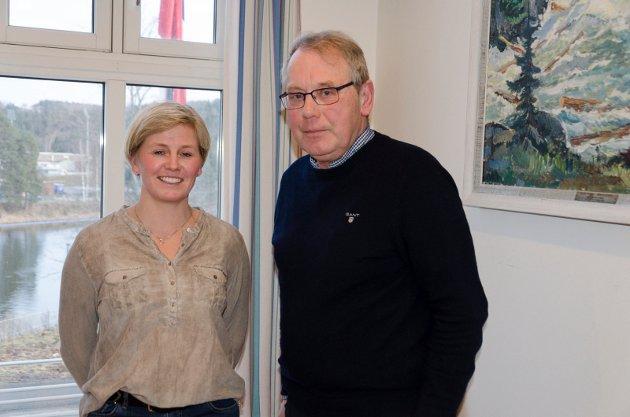 FORNØYDE: Bente Aabel (Sp) og Hans Gravermoen (Sp) fikk hele kontrollutvalget med på å kreve ny behandling av Hønefoss skole-saken. Men i kommunestyret kan flertallet gi blaffen likevel.