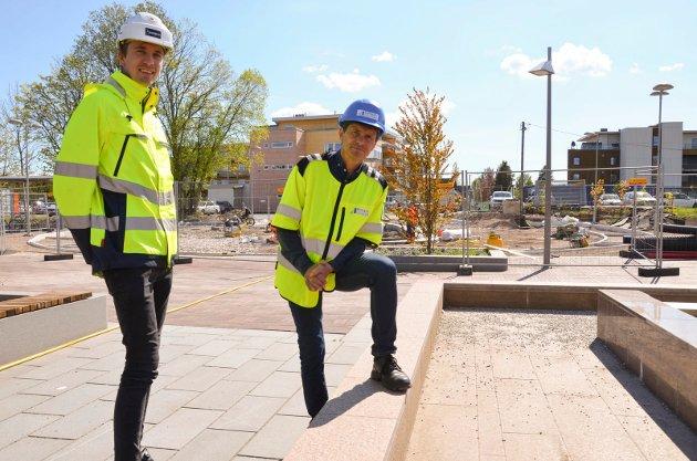 PROSEKTLEDELSEN: Emil Grøtting f.v Jobber for Prodecon og er prosjektleder på vegne av REAS AS T.h Prosjektleder hos REAS Bård R. Haug.