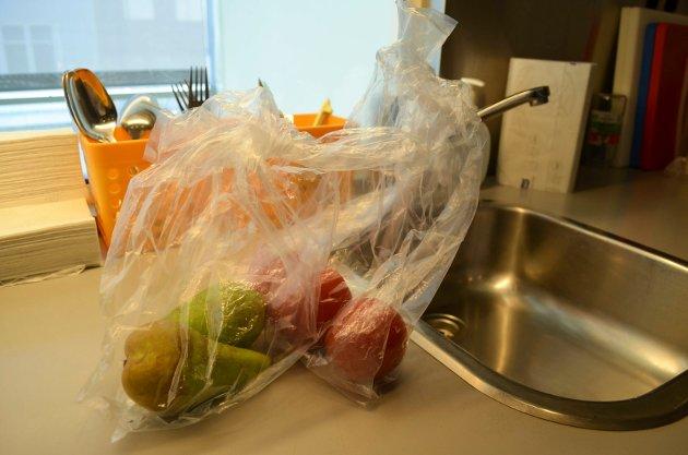 BIDRA: För att reducera plastbruk måste alla bidra, och tänka över sina vardagsval, skriver Josefin Hermansson.