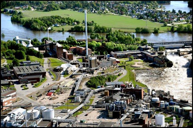 Det vanker ros til Borregaard i dette innlegget fra næringsminister Iselin Nybø (V) og klima- og miljøminister Sveinung Rotevatn (V). «De grønne produktene som Borregaard tilbyr vil verden etterspørre mer av. Og måten Borregaard leverer på - med fokus på innovasjon, utslippsreduksjon og stadig større ressursutnyttelse - viser vei til en bærekraftig fremtid», skriver de. (Foto: Jarl M. Andersen)