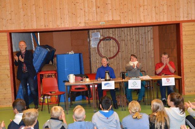 Hanne Svendsen (H), Marit Knutsdatter Strand (Ap) og Erik Østli (Ap). Ordførar Kjell Berge Melbybråten (t.v.) leia ordet i debatten.