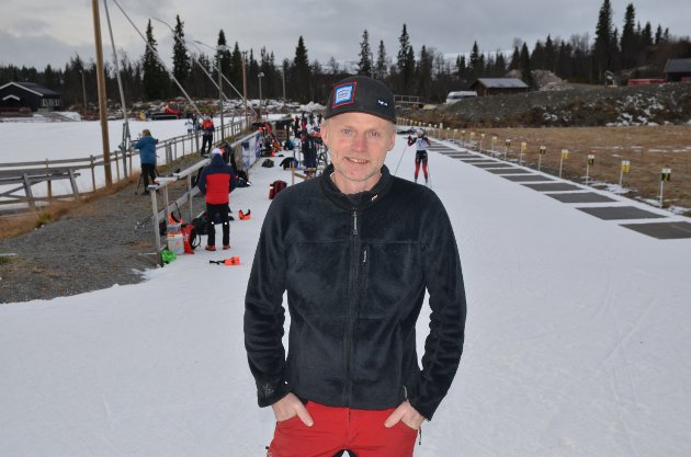 Beitostølen: Om snaue to uker skulle Norges skiskyttere startet sesongen på Sjusjøen, men slik blir det ikke. Nå har også Øystre Slidre IL takket nei. Hør begrunnelsen til stadionsjef Kjell Berge Melbybråten.