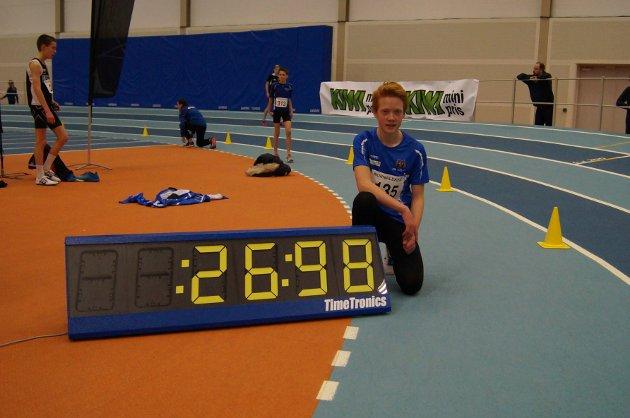 Kristoffer Hopland (14) sette ny pers på 200 meter med tida 26,98. Det heldt til 5. plass.