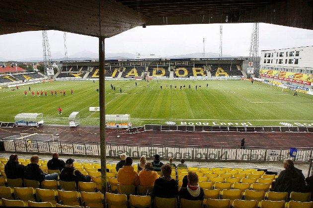 Kommende sesong opphever Norges Fotballforbund forbudet mot å selge alkohol til vanlige supportere på kamper.