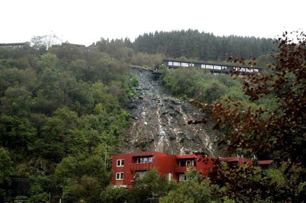 – I dag er det 15 år siden det katastrofale raset gikk i Hatlestad terrasse og tre mennesker mistet livet. Men har Bergen og Norge lært av det som gikk så utrolig galt den gang? spør Finn Bjørn Tønder. Arkivfoto: BA