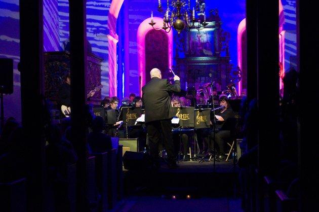 Geithus Musikkorps sto for det meste av musikken lørdag kveld.