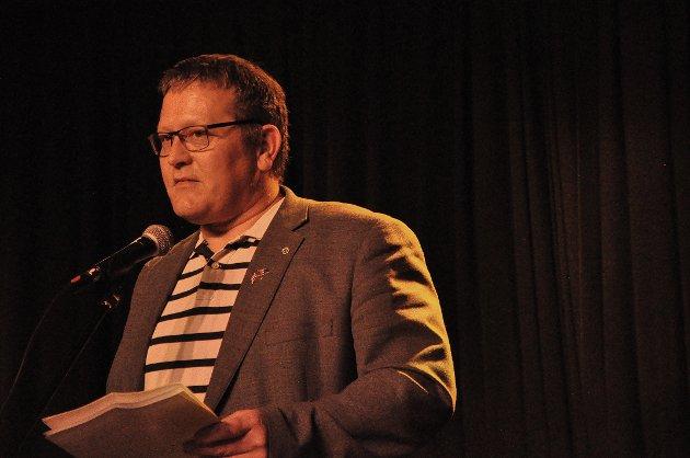 SVARER: Tor Mikkola svarer på kritikken av publisering av filming under folkemøtet i Nordkapp menighet på søndag.