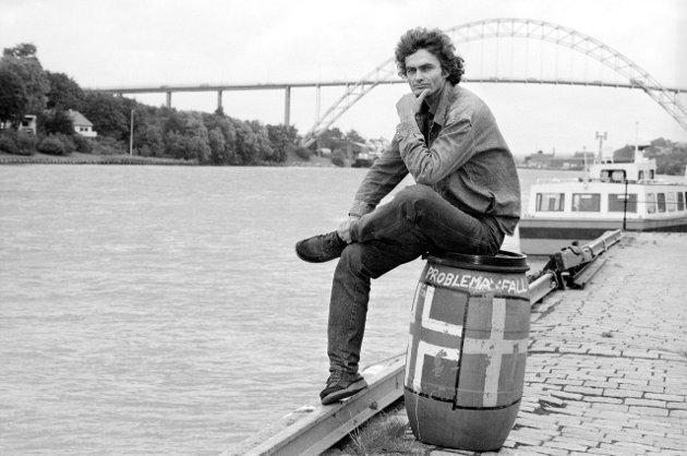 Håkon Stang med sterkt engasjement for Miljøpartiet De Grønne i 1987. Nå har han meldt seg inn igjen, og rapporterer fra «partilaget» på Øra.