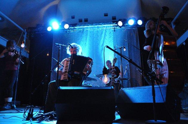 MODDI I  VERDENSTEATERET 2010: Den beste VU-konserten undertegnede aldri var på.
