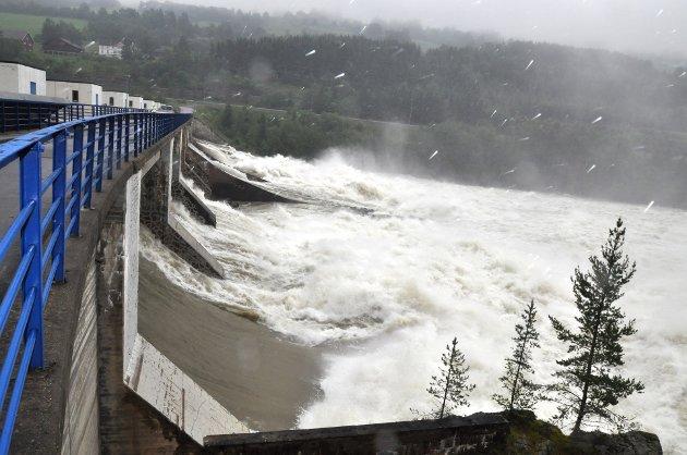 Med veldig store vannkraftressurser har Norge nå nesten bare utslippsfri kraftproduksjon, skriber Jo Heringstad.