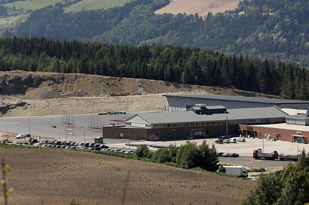 PÅ VENT: Får Gausdal Landhandleri nye naboer sørover? Lillehammer leter etter nye næringsarealer. Bildet viser utbyggingen i 2011.