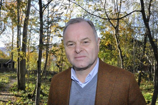 Regning: Olemic Thommessen gleder seg over å ha medvirket til nytt skoletilbud i Lillehammer. Men hvem mener han bør ta regningen?