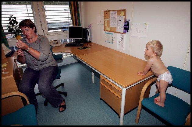Helsestasjonen når alle familiar, og er eit lågterskeltilbod som kan gi avgjerande hjelp til alle som ønskjer det.  (Illustrasjonsfoto)