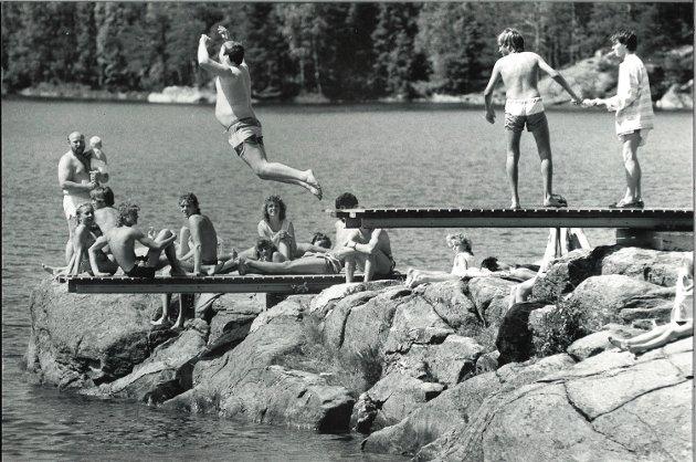 Spektakulært hopp på stupebrettet på Kruseter i juni 1988.