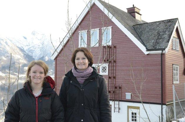 Tradisjon: I 2013 sa Ingeborg og Åse-Marie Reisæter at det var ein god tradisjon at fleire generasjonar er på same bygdedans, og dei håpa at ikkje aldersgrensa vart heva til 18 år.