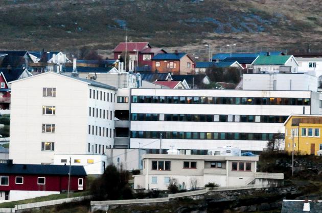 TAKKNEMLIG: En pasient gir tilbakemelding til Hammerfest sykehus. Illustrasjon.