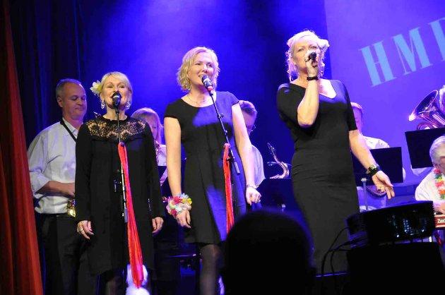 MUSIKKSHOW: HMF Storband i aksjon under årets musikkshow.