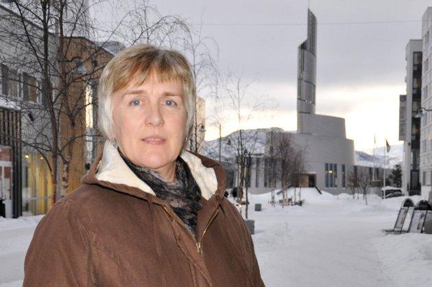 FYLKESLEDER: Kari Lium, Utdanningsforbundet Finnmark ber politikerne endre lovverket. Arkivfoto: Oddgeir Isaksen