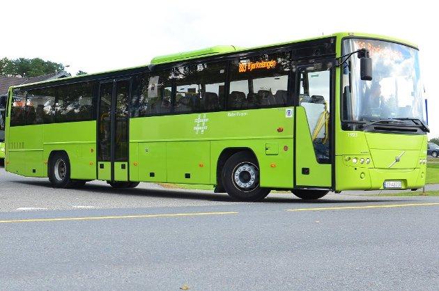 FORSVARER SEG: Bussjåførene forsvarer seg mot kritikken fra passasjer Jarle Pedersen.