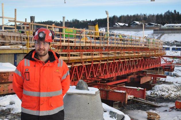 Kontrollingeniør Andreas Nilsson Førde klar til første støp på brudekket.