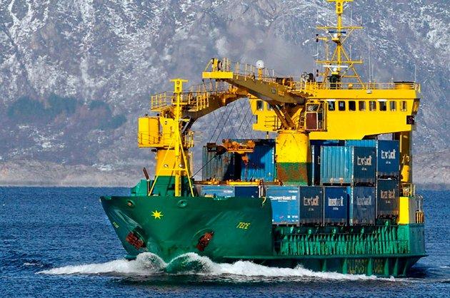 Godsruta med MS «Tege» ble lagt ned i 2013. Sjøkaptein Arne Erntsen tar til orde for at Kystverket rederiorganisasjon selv anskaffer og setter inn moderne, tidsriktige, hurtiggående containerskip som kan avlaste veinettet nordover ut fra Bodø.