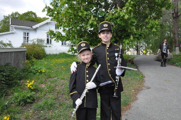 Ida Evelina og Henrik Nicolay Alviniusen Askerud spiller begge i Nanset skolekorps. Dette var Idas første gang på vårmønstring, menhun var ikke nervøs.