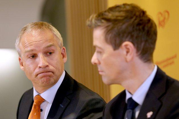 Oslo  20161031. Knut Arild Hareide (t.h) og Hans Olav Syversen presentererte KrF sitt alternative statsbudsjett for 2017. Foto: Vidar Ruud / NTB scanpix