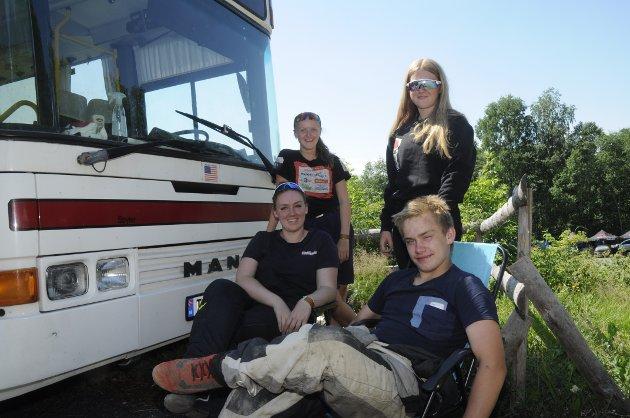 Tre damer og en knekt: Ingrid Knutsen, Line Afseth, Guro Lagmandsveen Aftseth og Marcus Nysveen Haug. Alle kjører for NMK Hamar.