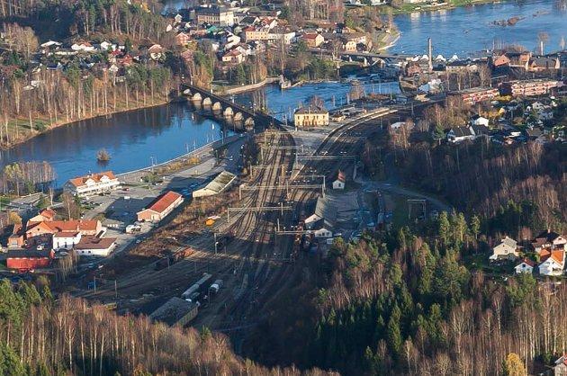 Flyfoto over Hønefoss.